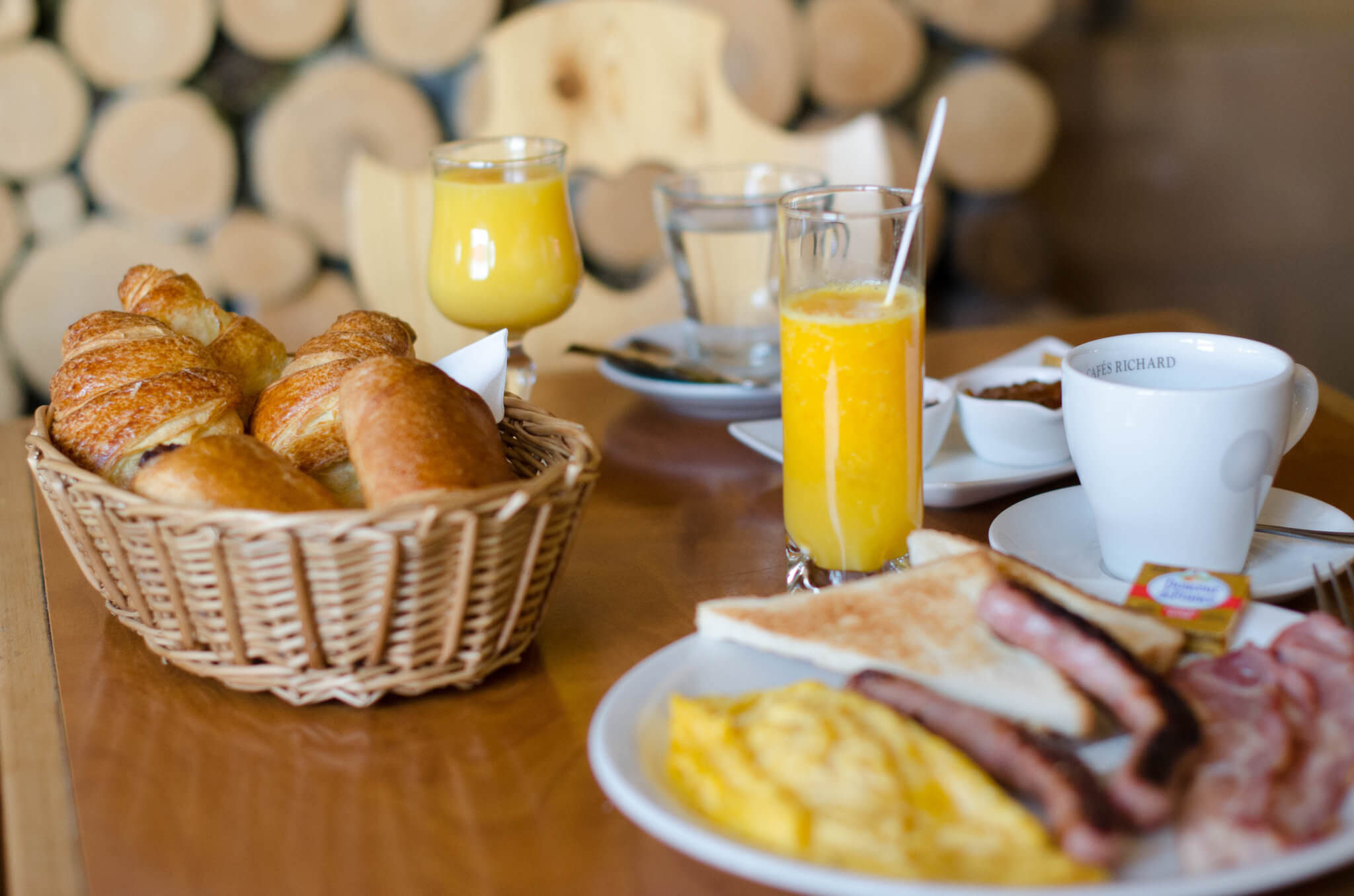 Breakfast at the foot of the ski slopes