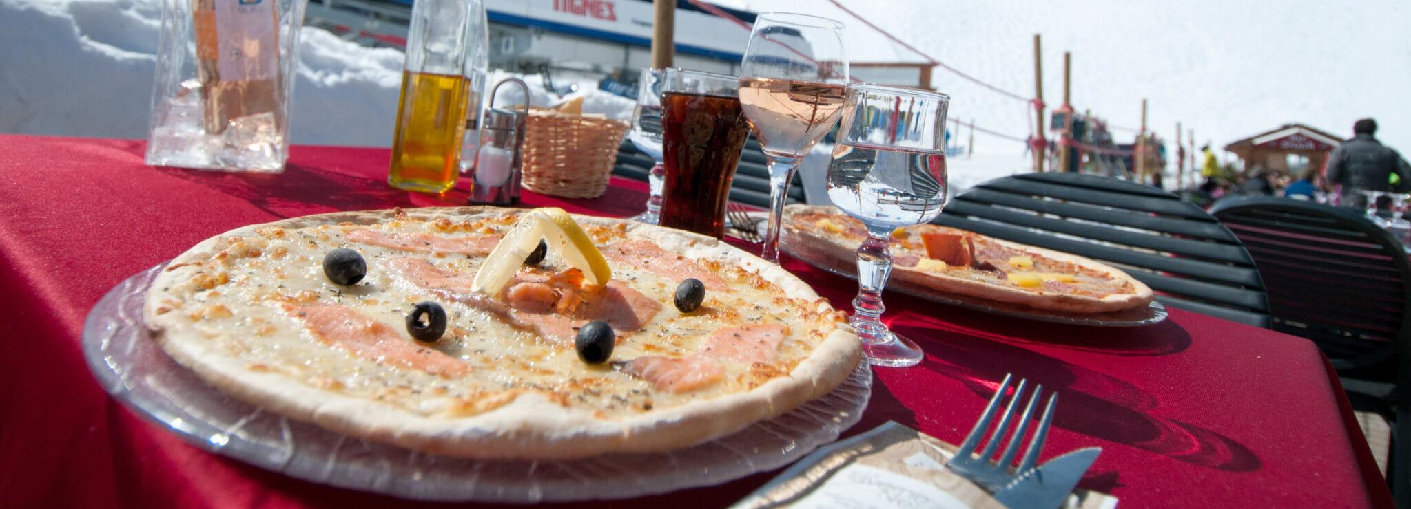 Restaurant, lunch snack in Tignes